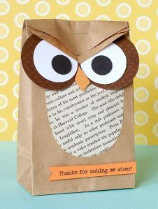 The cutest DIY  gift bag EVER